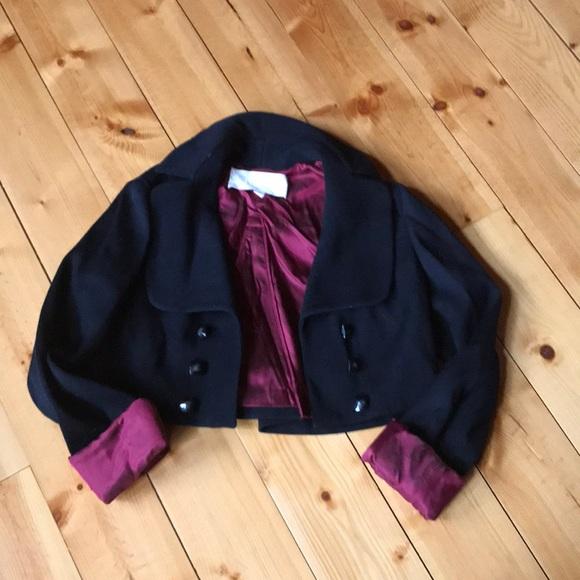 Benson ..cropped jacket 🌺